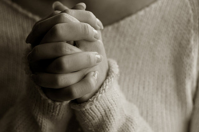 praying-womans-hands